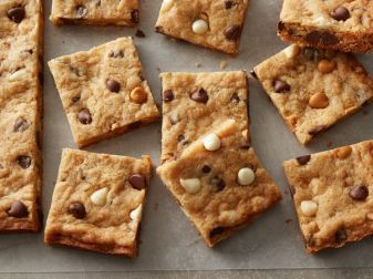 Making Cookie Bars From Cookie Mix