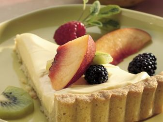 Fruit Tart With Lemon Curd And Cream Cheese