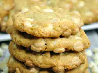 Root Beer Float Cookies With White Chocolate Chips