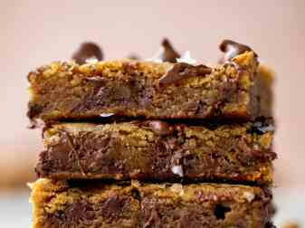 How Sweet Eats Salted Chocolate Chip Cookie Bars