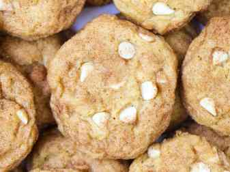 Pumpkin Snickerdoodle Cookies With White Chocolate Chips