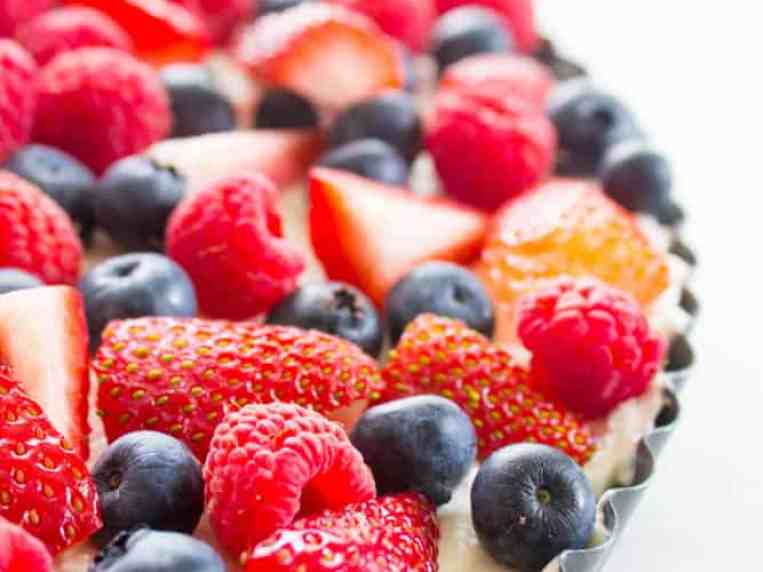 Insanely delicious & easy this Simple No-Bake Fruit Tart is made