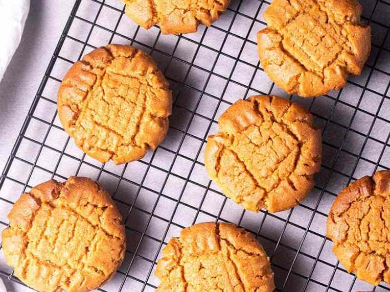 Low-Carb Peanut Butter Cookies (Sugar-Free)