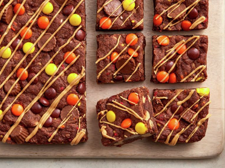 Loaded REESE'S Cookie Bars Recipe