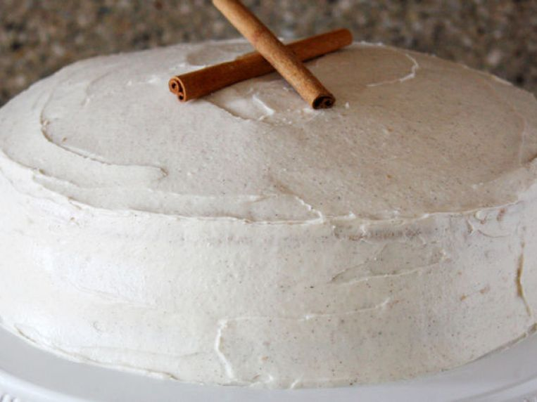 Snickerdoodle Cake with Cinnamon Cream Cheese Frosting Recipe