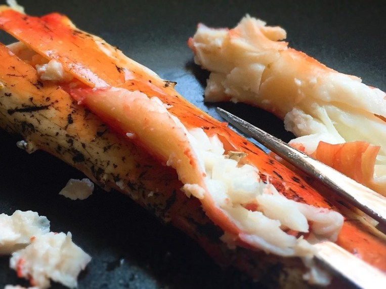 How To Open Crab Claws Without A Cracker