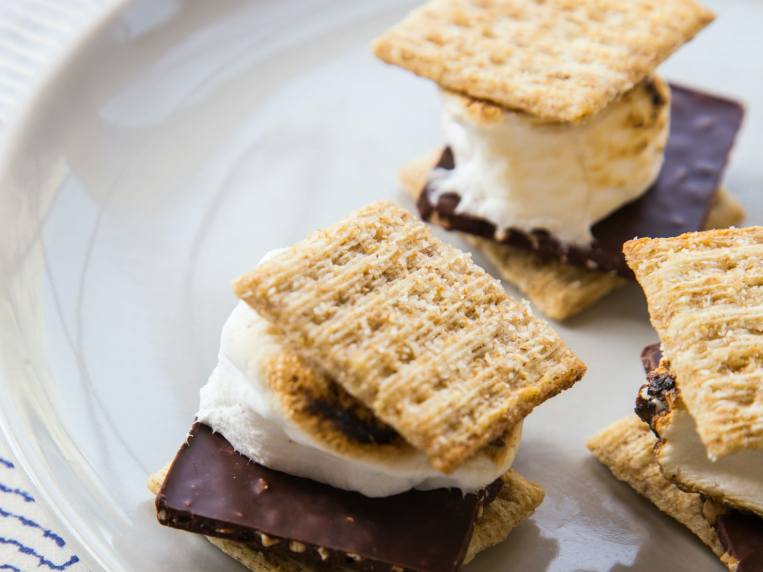 3 Ways To Eat Triscuits That Take Your Snacking To The Next Level