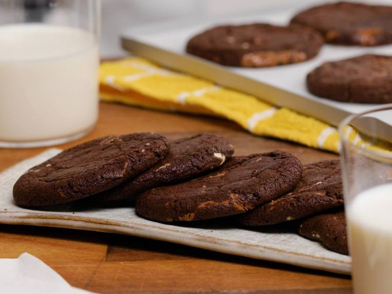 Subway Shared Its Double Choc Chip Cookie Recipe So You Can