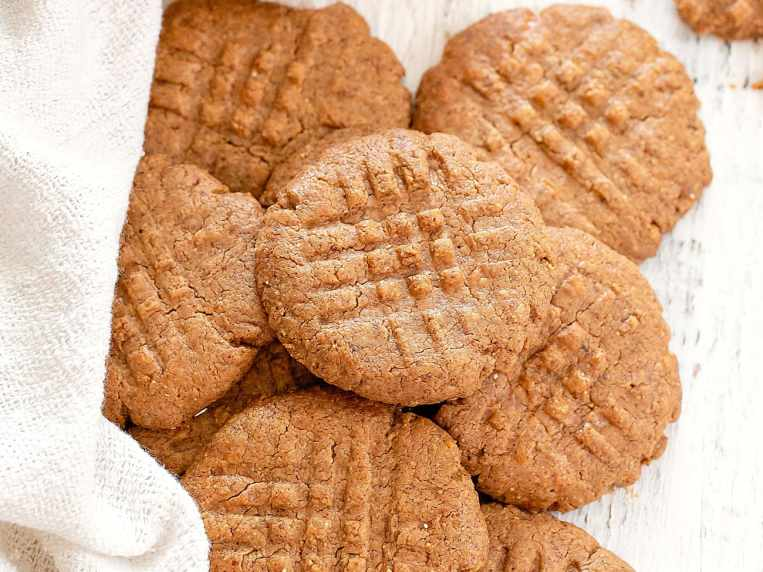 2 Ingredient Keto Almond Butter Cookies (No Special Flours or Eggs