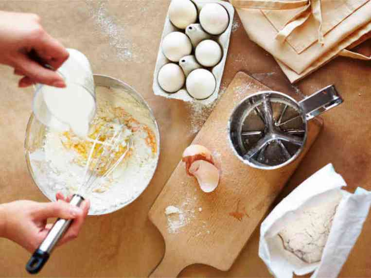 10 Handy Substitutes for Baking Powder