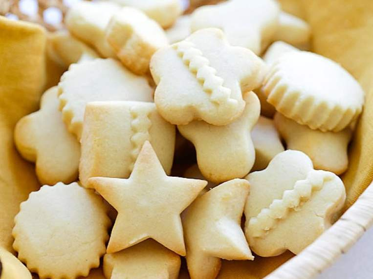 Butter Cookies (Extra Buttery and Crumbly!)