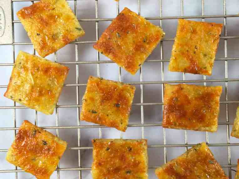 Keto Crackers (Low Carb Recipe + VIDEO!) • Summer Yule Nutrition