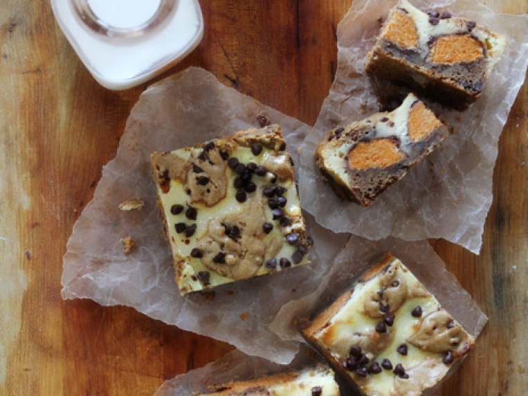 How To Make Butterfinger Cookie Dough Cheesecake Bars