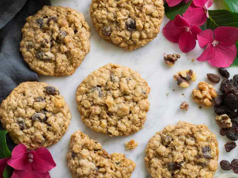 Oatmeal Cookies {Soft and Chewy}