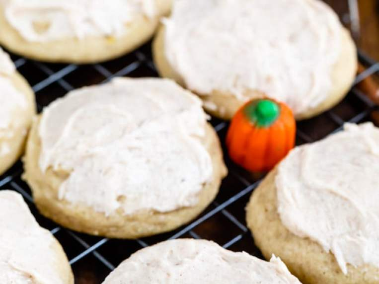 Pumpkin Spice Cookies (with frosting)