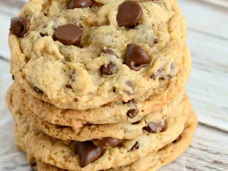Chewy Banana Chocolate Chip Cookies (No Eggs)