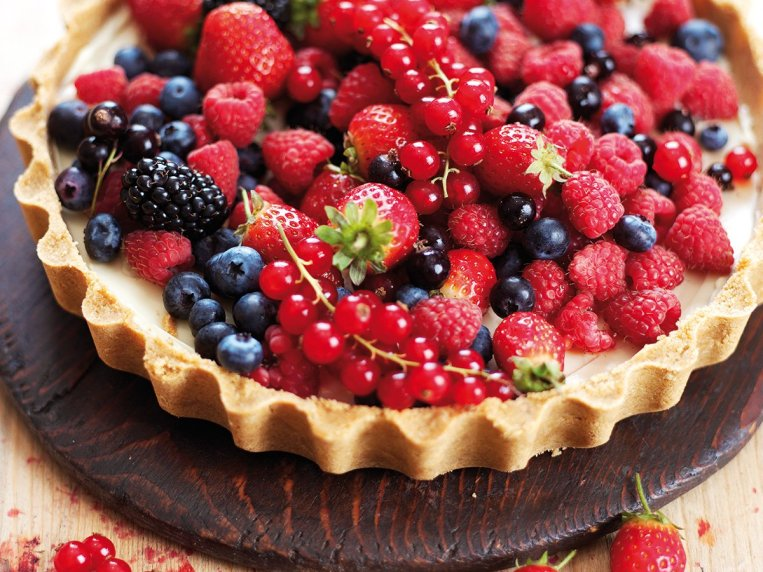 Fruit Tart With Digestive Biscuit Base