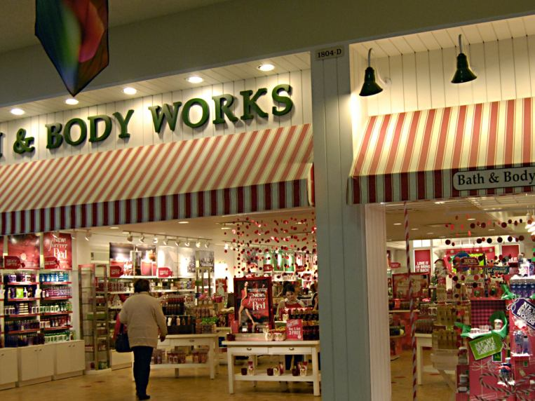 Bath & Body Works New Holiday Scented 3-Wick Candles