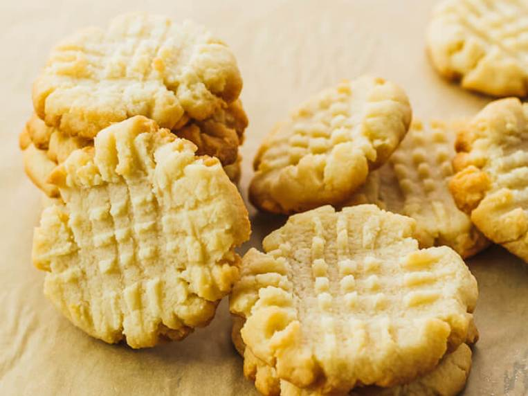 Keto Butter Cookies (Only 4 Ingredients)