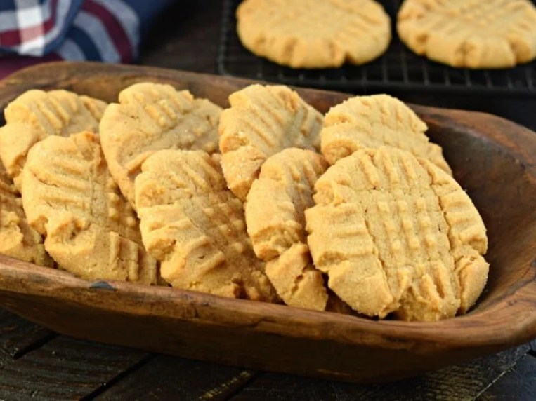 The Best Soft and Chewy Peanut Butter Cookies Recipe