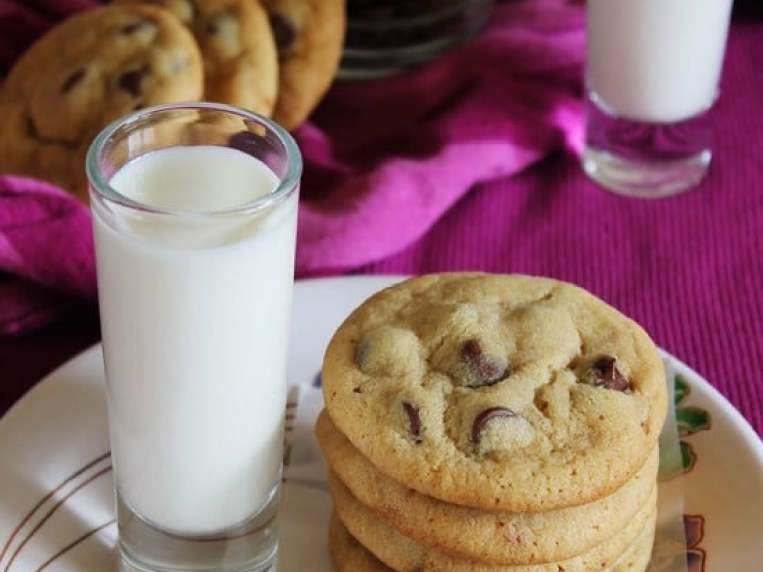 {BEST} Eggless Chocolate Chip Cookies