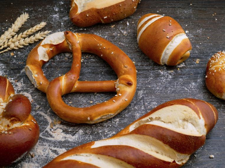 How to Reheat Soft Pretzels (See The Best Reheating Options)