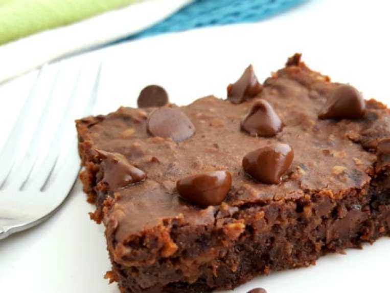 Fudgy Black Bean Brownies with Oatmeal
