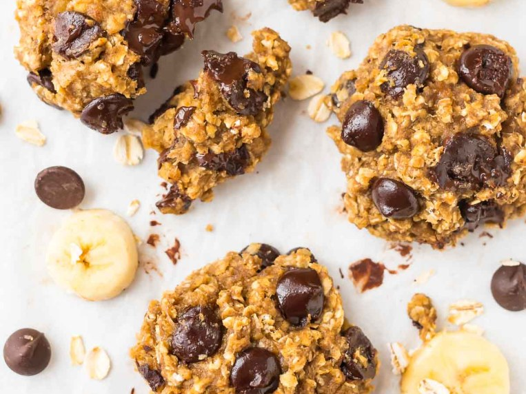 Healthy Banana Oatmeal Cookies with Chocolate Chips