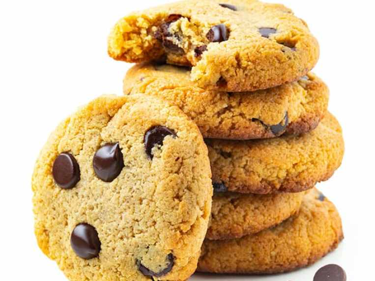 Low Carb Keto Chocolate Chip Cookies Recipe
